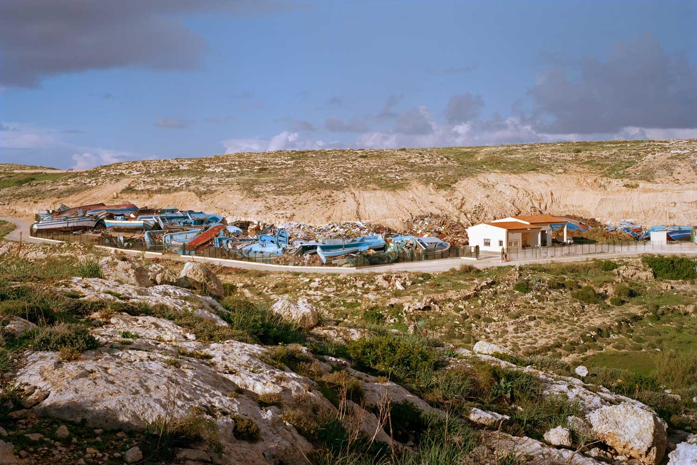 Grenzen – Flüchtlingsboote auf Lampedusa. © Gerhard Hagen, sehdition.de
